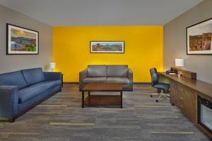 Scholar Morgantown Living Suite Sitting Area